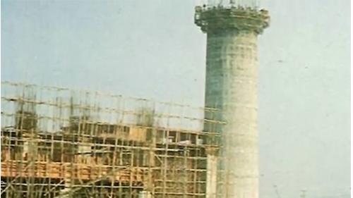 高雄港:榮工處施作中鋼廠房煙囱