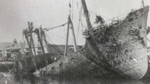戰後花蓮港沉船打撈作業