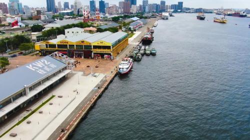 高雄港棧庫群  「舊港區開發案」將延伸至週邊的蓬萊商港1至10號碼頭