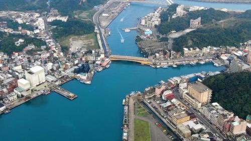 基隆港:正濱漁港為現在的八斗子漁港(1974年興建)取代,漸漸沒落