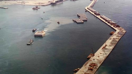 花蓮港:延伸東防波堤