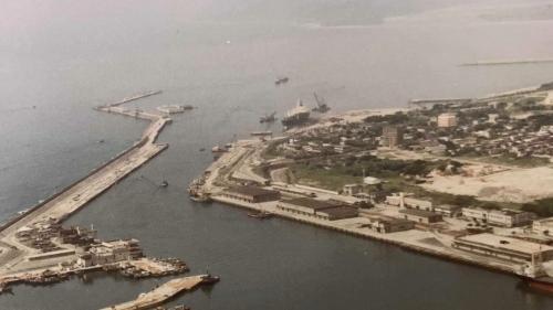 花蓮港:外港建造9座深水碼頭,可供3萬至10萬噸級的大型船舶停靠。